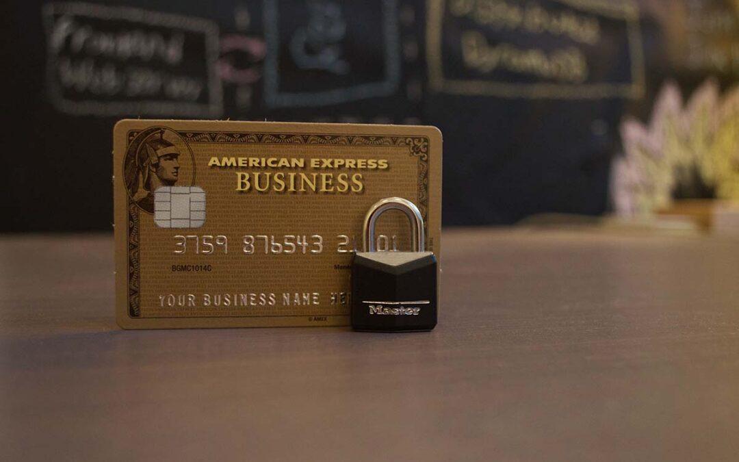 Audiencia Provincial anula tarjeta de crédito y condena a banco, entidad a la que cedió el crédito y entidad aseguradora