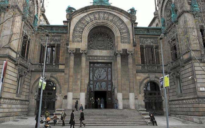 Audiencia Provincial Barcelona anula clausulado multidivisa por no superar doble control de transparencia