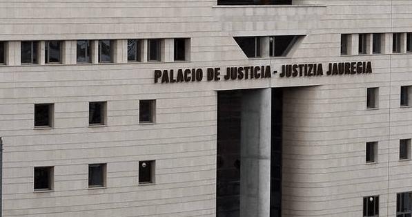 Audiencia Provincial Navarra anula cláusula suelo a empresa